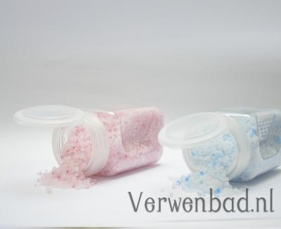 """Badzout voor baby's """"Relax, baby"""" www.verwenbad.nl"""